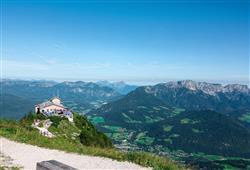 Pohádková krajina bavorských Alp se již před začátkem druhé světové války stala oblíbeným útočištěm Adolfa Hitlera