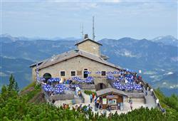 Základní občerstvení nabízí i stánek stojící uprostřed vyhlídkové terasy