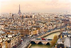 Paříž je považovaná za nejromantičtější město na světě. Toulání místními bulváry a po nábřeží vás nikdy nepřestane bavit