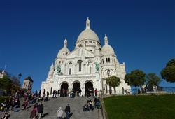 Od baziliky Sacré coeur se vám otevřou výhledy na celou Paříž. Stojí totiž na nejvyšším bodě města