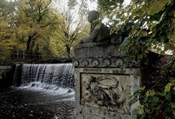 Kouzelný zámek Franzensburg, čokoládovna a plavba po podzemním jezeře8