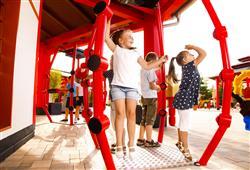 Celý park je doplněn řado elektronických a interaktivních her