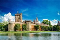 Kouzelný zámek Franzensburg, čokoládovna a plavba po podzemním jezeře2