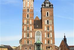 Každá věž toho kostela je jiná. Každou z nich totiž stavěl jeden z bratrů, kteří bojovali o stejnou ženu