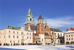 Katedrála sv. Václava a Stanislava je směskou architektonických stylů. Probíhaly zde královské korunovace