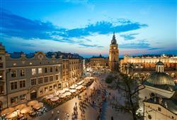 Město nabízí několik vyhlídek. Doporučujeme vystoupat na věž Mariánského kostela nebo na Radniční věž