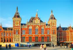 Hlavní nádraží je krásnou budovou, ale i nejvýznamnějším dopravním uzlem ve městě