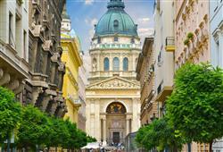 Bazilika sv. Štěpána je zasvěcena králi Štěpánovi, který je považován za zakladatele maďarského státu