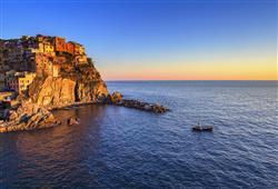Kouzelná městečka oblasti Cinque Terre se vypínají na skalnatých útesech, ze kterých jakoby padaly do tyrkysových vod moře