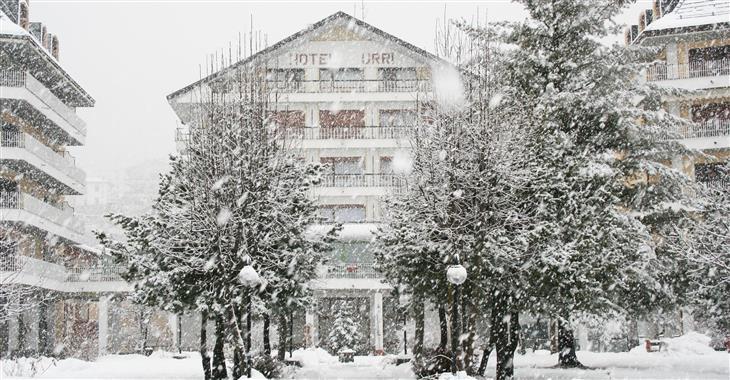 Hotel Urri je vzdálen pouhých 400 m od lyžařského areálu Pallabione a pouhých 50 m od zastávky skibusu.