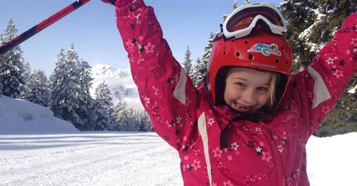 V areálu se nachází 4 zábavní parky na sněhu a další doprovodný program pro děti včetně dětských lyžařských školiček