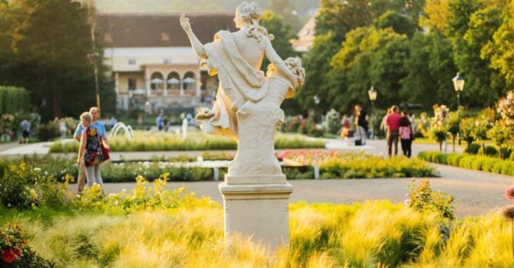 V parcích najdete velké množství soch