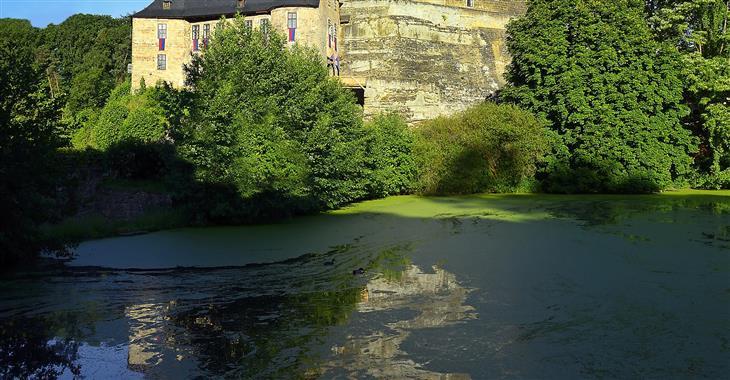 Navštívíme hrad Kost, jeden z nejzachovalejších, nejvýznamnějších a zároveň posledních středověkých hradů u nás