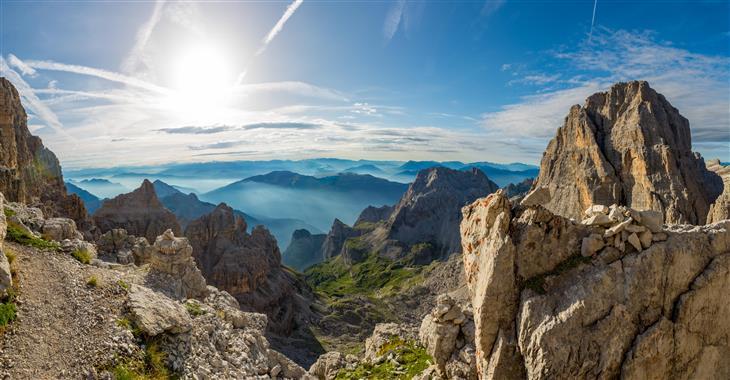 Z vrcholu Pradel se nám otevřou výhledy na masiv Brenty