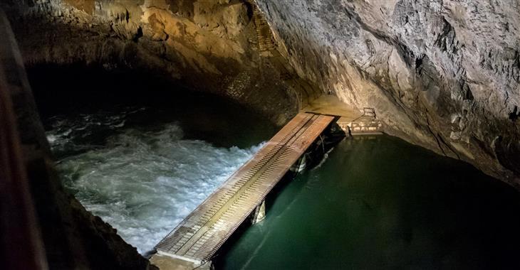 Jeskynní systém Postojna utvořila v dávných dobách řeka Pivka