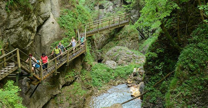 Od vesnice Mixnitz po restauraci Zum Guten Hirten vystoupáte necelých 800 metrů výškových