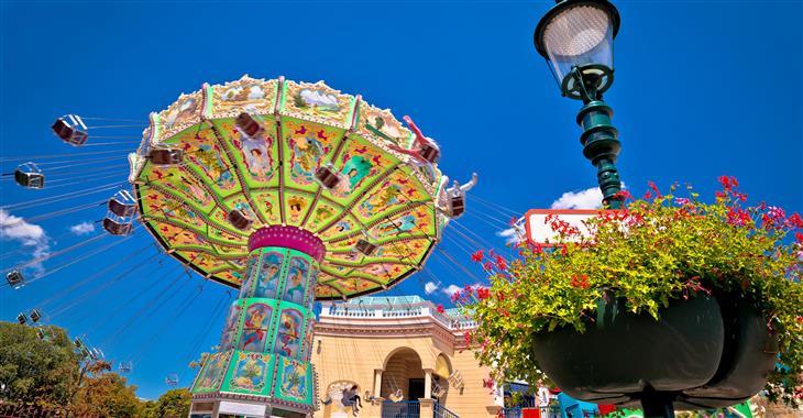 V zábavním parku najdete na 250 atrakcí pro malé, velké i milovníky adrenalinu