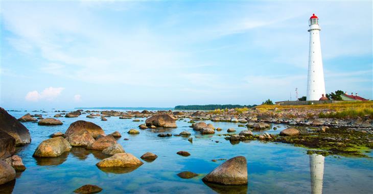 Estonsko je nejsevernější ze všech tří pobaltských států a zároveň je státem nejmenším