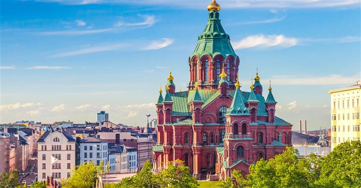 Uspenská katedrála v Helsinkách je ruský pravoslavný kostel nesoucí byzantské prvky